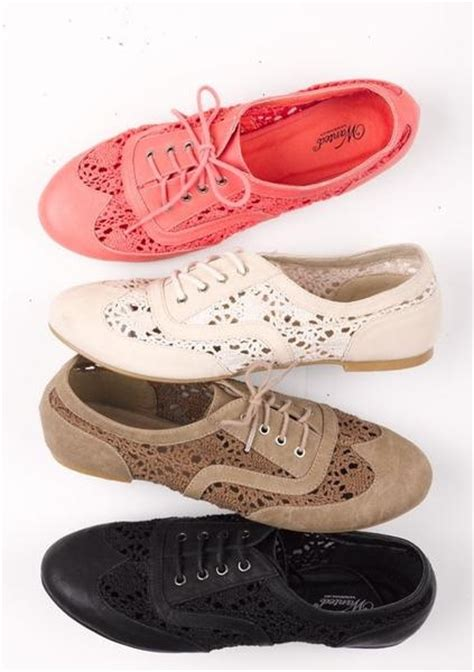colored oxford shoes lace colored oxfords fashion