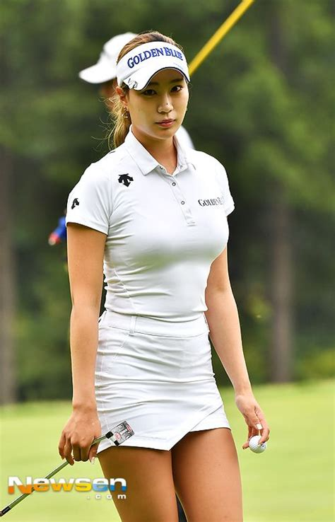 hot female disc golfers posted image sports pinterest golf ladies golf and lpga