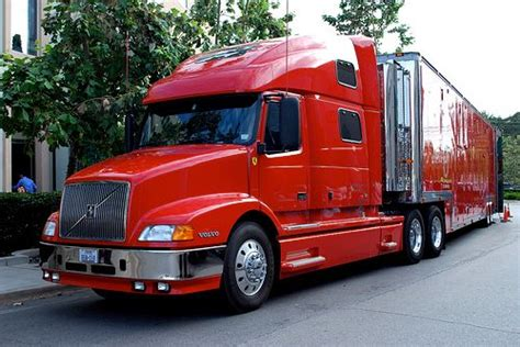 volvo 18 wheeler commercial 1000 images about volvo truck pictures on pinterest