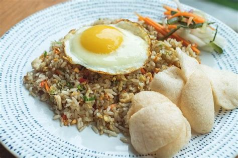 sala sanur sala style chicken fried rice picture of sala bistro