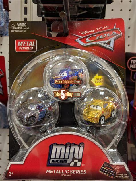Mattel Disney Pixar Cars Mini Racers 39 Muddy Lightning Mcqueen Mattel Disney Pixar Cars 3 Diecast Mini Racers Arrive At