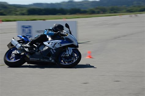 Sitzhaltung Motorrad by Motorrad Mehr Spa 223 Und Sicherheit Durch Elektronische