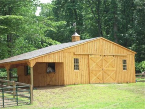 center aisle horse stable horse barn stables for sale beautiful functional