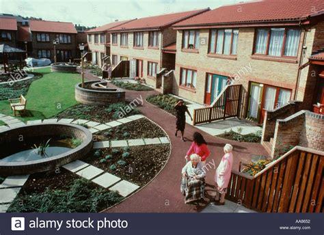 sheltered housing to buy sheltered housing scheme for elderly people hackney east london uk stock photo