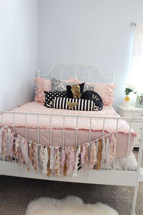 black white and pink bedroom 17 best ideas about black gold bedroom on