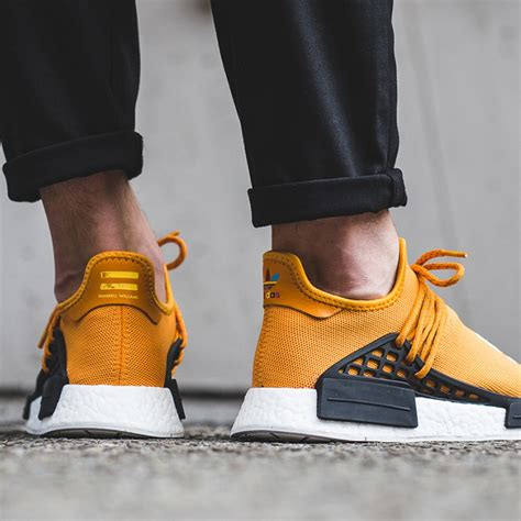 Sepatu Running Adidas Human Race Pharel Williams pharrell williams x adidas nmd human race tangerine