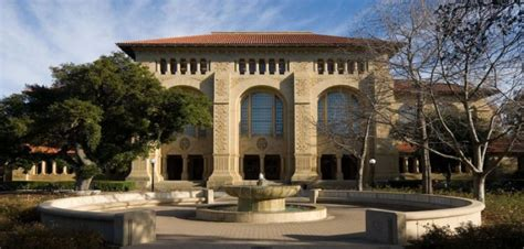 Stanford Mba Salary After 10 Years by Stanford Tops With Highest Average Gmat Score At 733 U S