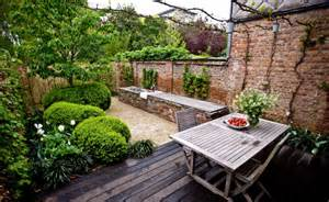 Small Walled Garden Ideas The Cult Of The Courtyard 10 Homes With Amazing Interior Light Gardenista