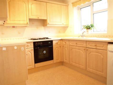 2 bedroom apartments bristol 2 bedroom apartment to rent in woodlands salisbury road downend bristol bs16