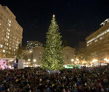tree lighting portland 2017 portland christmas tree lighting beatiful tree
