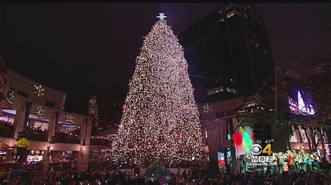 tree lighting faneuil hall 2017 faneuil hall christmas lights decoratingspecial com