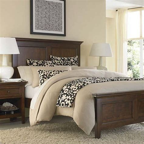 master bedroom wall decor ideas light brown solid wood 25 best brown bedrooms ideas on pinterest