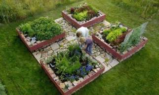 Raised Bed Garden Layout Raised Garden Beds Coops And Gardens