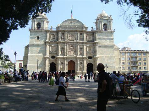 zocalo de oaxaca file zocalo oaxaca oaxaca panoramio jpg wikimedia