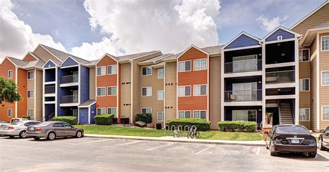 one bedroom apartments near utsa college living just steps to cus