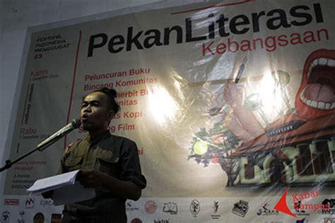 Tirto Adhi Soerjo Bapak Pers Indonesia M Rodhi Asad mengenalkan kembali quot minke quot tokoh literasi yang menjadi radikal di bandung