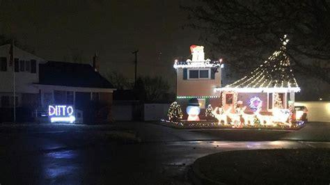 hilarious christmas light display ditto kabb