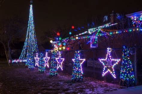 check this out 32 000 christmas lights choreographed to