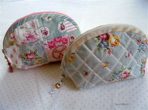 free pattern zippered purse quilt inspiration free pattern day purses handbags and