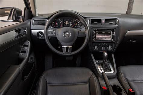 volkswagen jetta interior 2014 volkswagen jetta 1 8t se test motor trend