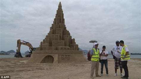 Largest Beach In The World biggest sand castle in the world