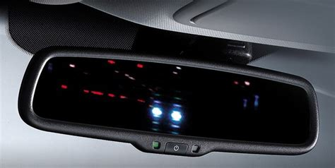 auto dimming night light how a car s rear view mirror works