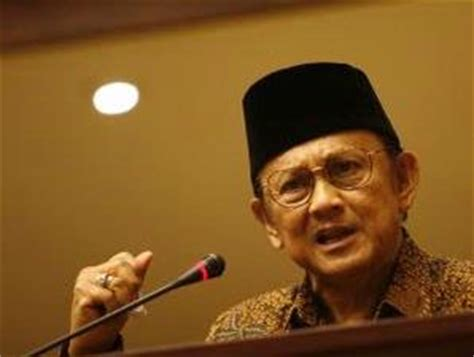 biography about bj habibie biography b j habibie collection biography people