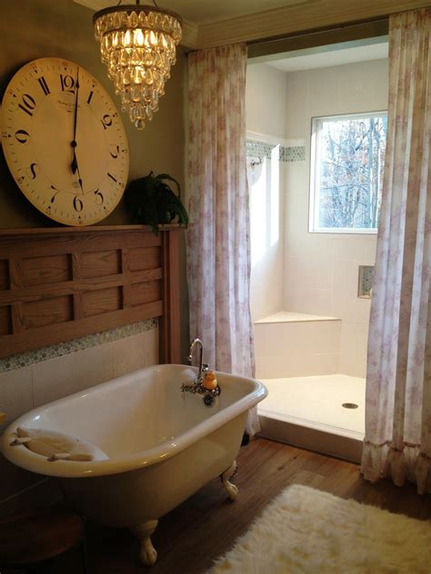 clawfoot tub bathroom design ideas vintage guest bathroom ideas with white acrylic clawfoot