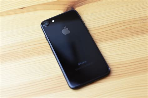 iphone jet black how to accessorize your jet black iphone 7 imore