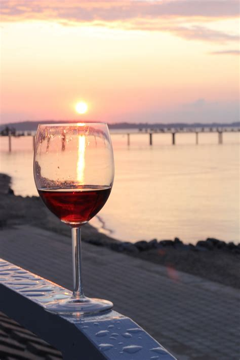 Pemotong Kaca Yg Bagus gambar pantai kaca refleksi minum biru gelas anggur
