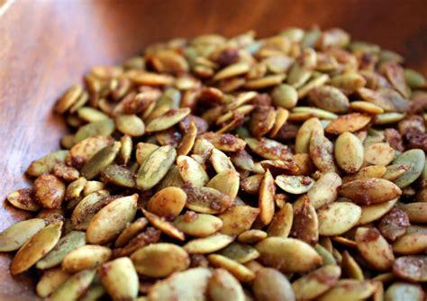 come cucinare i semi di zucca le propriet 224 dei semi e come si usano in cucina dissapore