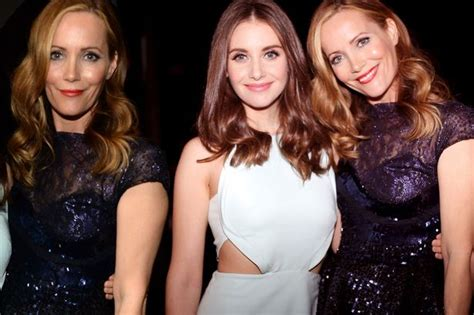 leslie mann rose byrne leslie mann news views gossip pictures video