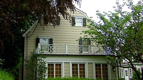 Amityville House Today by Inside Amityville House Today Www Imgkid The Image