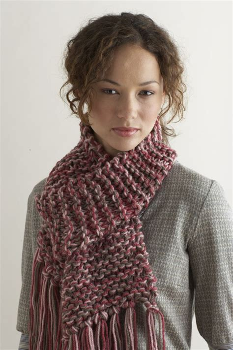 knit scarf knit two hours or less scarf favecrafts