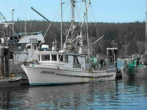 fiberglass shrimp boats for sale in louisiana fiberglass pelagic shrimp troller gillnetter