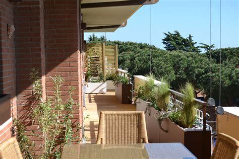 arredare terrazzo lungo e stretto arredare balcone stretto e lungo come arredare un
