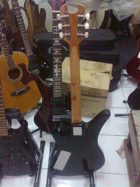 Gitar Ibanez Seven 21 gitar schecter 375k custom dheton