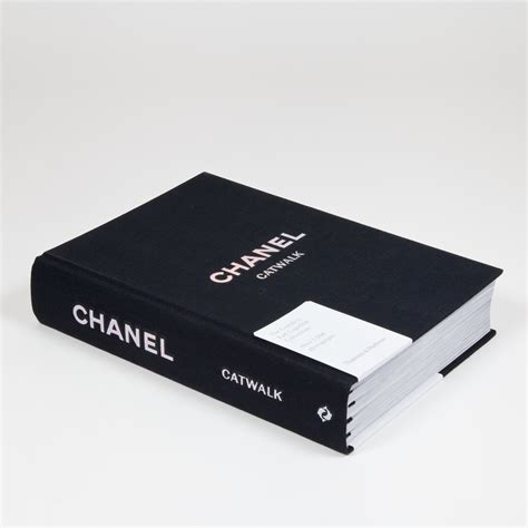 chanel catwalk the complete karl lagerfeld collections published by thames hudson fashion