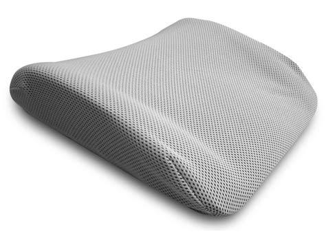 cuscini per mal di schiena ottimo cuscino da viaggio per la schiena in memory foam