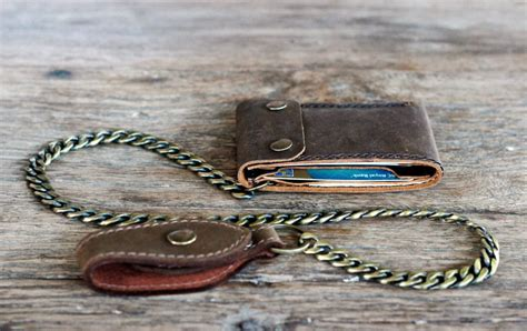 leather bifold wallet with chain joojoobs leather wallets