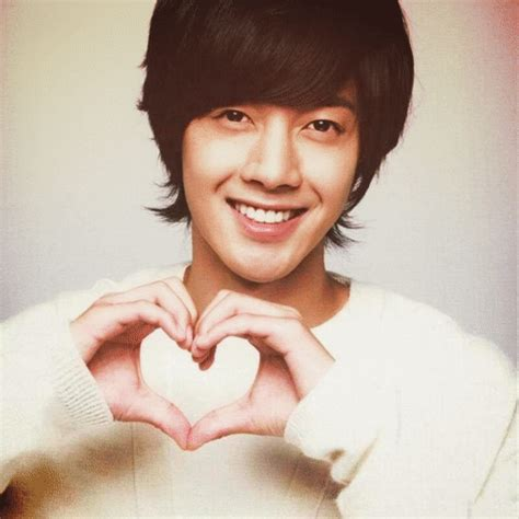 imagenes de coreanos lindos gestos coreanos k drama amino