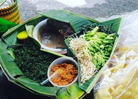 daftar makanan khas surabaya  enak  terkenal