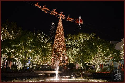 christmas tree at the los angeles staples center best light displays in los angeles keller williams brentwood