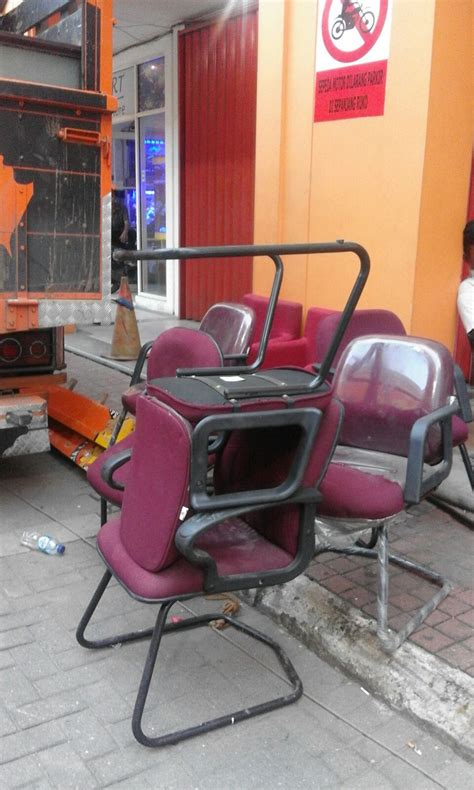 Kursi Bekas Di Manggarai terima borongan kursi bekas lelang barang bekas