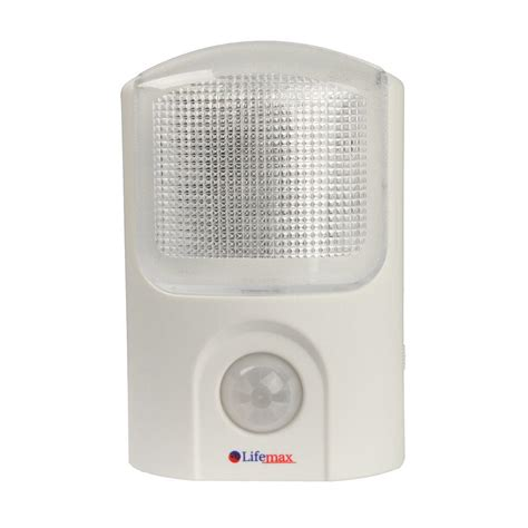 automatic light with sensor portable automatic led pir light with motion sensor