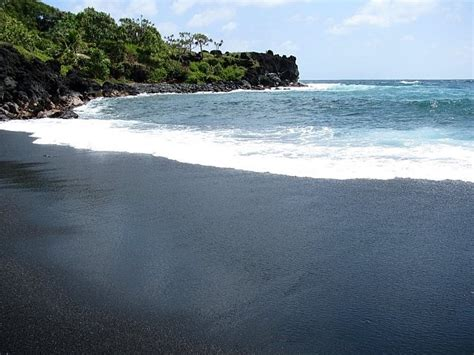 black sand beach maui black sand beach maui hawaii pinterest