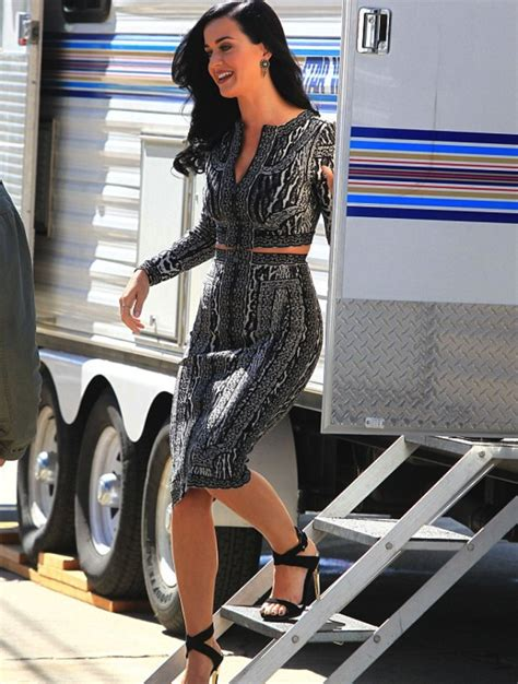 Kate Perry Wardrobe by Wardrobe Query Katy Perry S Los Angeles Herve Leger Fall
