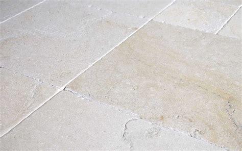 antik fliesen kalkstein fliesen salem antik getrommelt naturstein