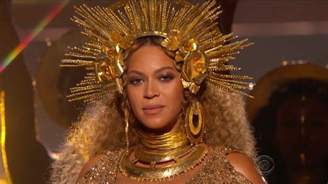 beyonce grammys adele beyonce chance the rapper win big at the 2017