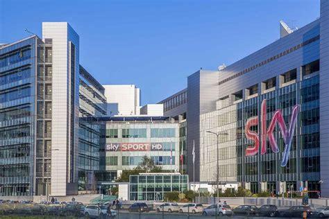 sede sky roma sky e open fiber si alleano sulla fibra una nuova pay tv